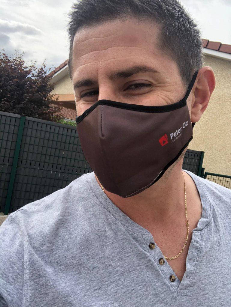 Peter Oz avec le masque